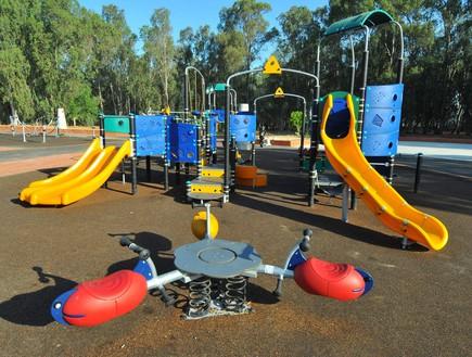 מתחם משחקים פארק לאומי רמת גן, ישראל מלובני 2005-2