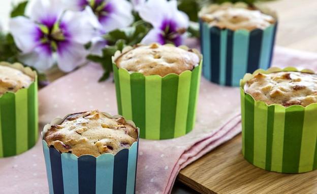 עוגת נקטרינות ושקדים (צילום: אסף אמברם, אוכל טוב)