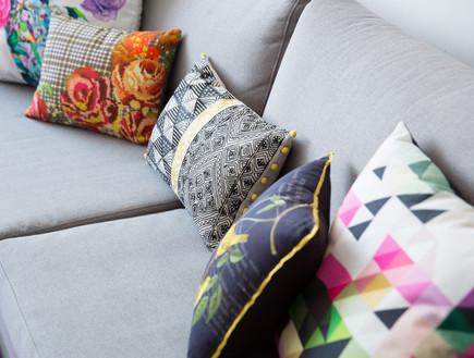 סלון, כריות על ספה