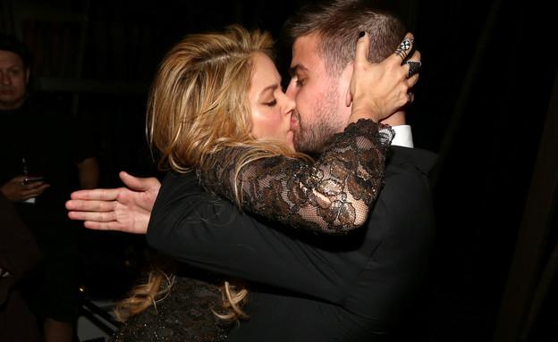 שאקירה ופיקה מתנשקים (צילום: Christopher Polk/Billboard Awards 2014, GettyImages IL)