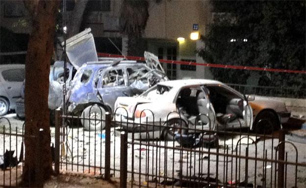 זירת פיצוץ רכב הפרקליט (צילום: ראהד איברהים, חדשות 2)