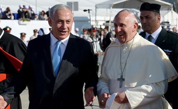 """נתניהו והאפיפיור (צילום: אבי אוחיון לע""""מ)"""