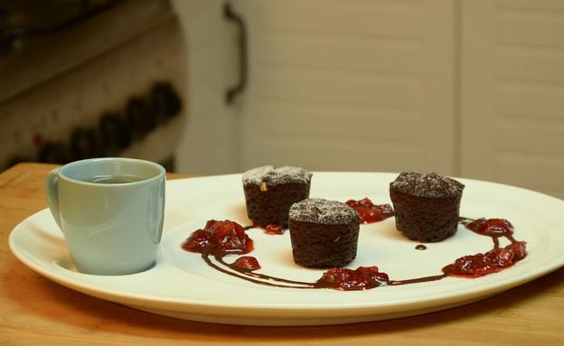 עוגת שוקולד חמה ללא גלוטן וסוכר (יח``צ: מכון אברהמסון)