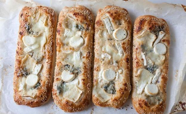 פוקצ'ת גבינות ושומשום (צילום: דניאל לילה,  יחסי ציבור )