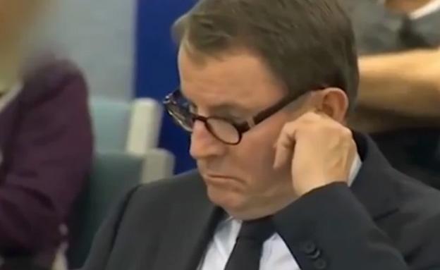 ג'ון באנקס - נתפס מחטט (צילום: TV3)
