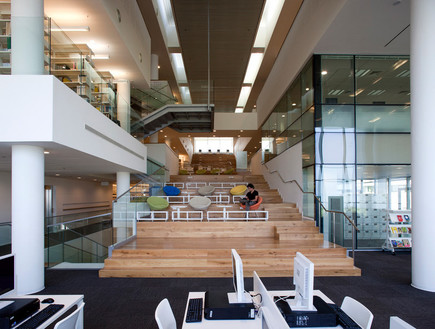 ספריות. המכללה האקדמית כנרת, שוורץ בסנוסוף אדריכלי (צילום: עמית גירון)