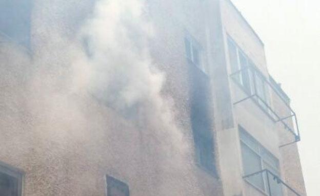 השריפה בחדרה (צילום: דוברות כבאות והצלה תחנה אזורית חדרה)