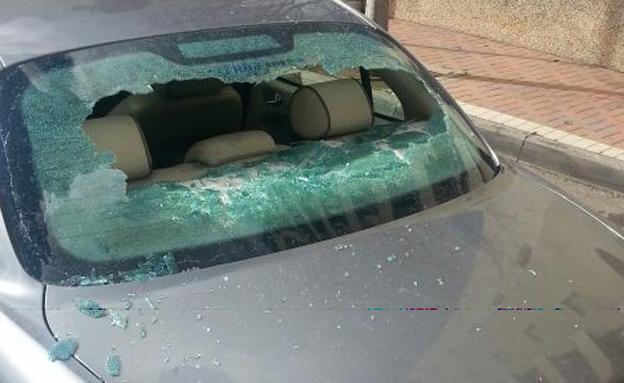 רכבו של יוחאי אחרי הפגיעה הקודמת (צילום: חדשות 2)