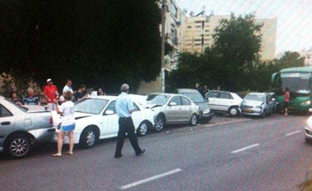 תאונת השרשרת בחיפה (צילום: מאהר דיהב מתוך הפייסבוק)