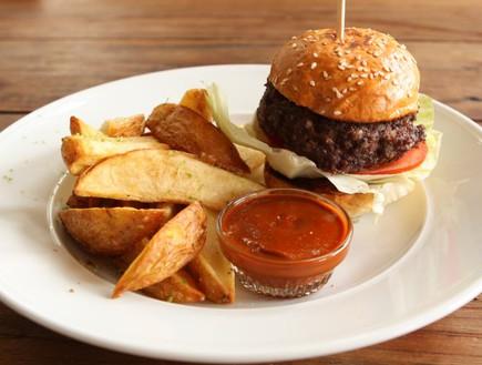 המבורגר, מסעדת בן ציון 1 (צילום: מורן ויזל,  יחסי ציבור )
