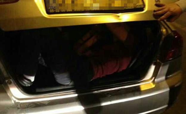 רשיונו של הנהג נפסל במקום (צילום: חטיבת דובר המשטרה)