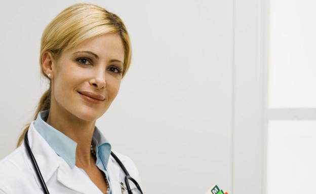 רופאה (צילום: realsimple.com)