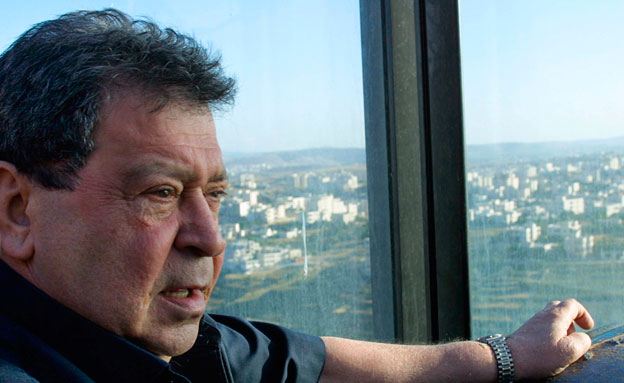 מכחיש החשדות נגדו. בן-אליעזר (צילום: AP)