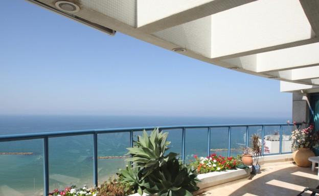 דירה, לחופי תל אביב (צילום: דודו בכר)