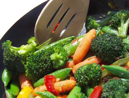 ירקות מוקפצים במחבת