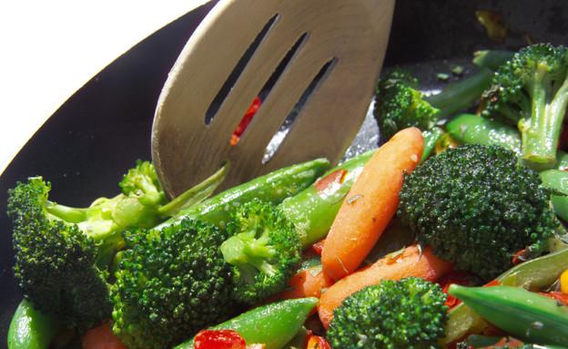 ירקות מוקפצים במחבת (צילום: diane39, Istock)