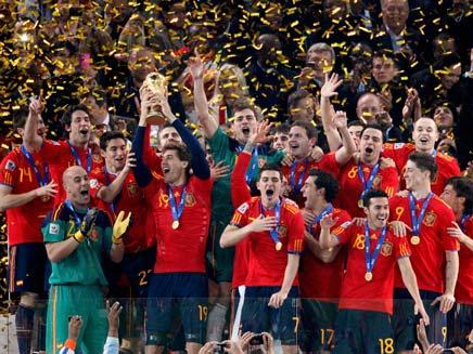 אלופת העולם. ספרד זוכה במונדיאל 2010 (צילום: רויטרס)