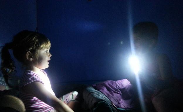 הבנות באוהל (צילום: שי גל 2, צילום ביתי)