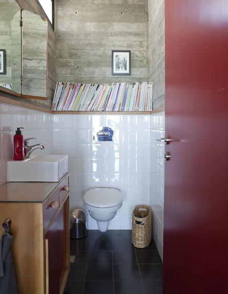 שירותים (צילום: הגר דופלט. הבית של מילי ויוראי)