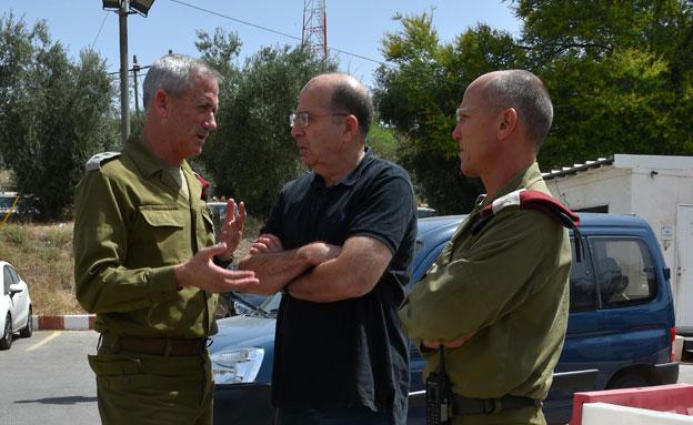 יעלון, גנץ ואלון (צילום: דוברות משרד הביטחון)