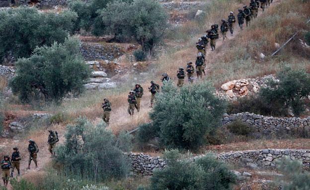 החיפוש אחר החטופים נמשך (צילום: REUTERS)