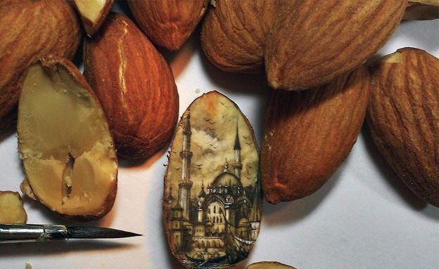 ציור על אוכל (צילום: Hasan Kale)