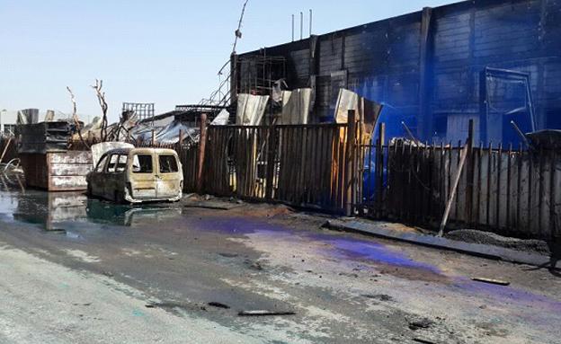 ירי בלתי פוסק: המפעל בשדרות שנפגע מקסאם (צילום: מיכה שמילוביץ, חדשות 2)