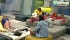הדיירים בסלון (תמונת AVI: mako)