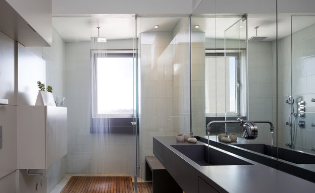 מאיה קידר, מקלחת (צילום: שי אפשטיין)