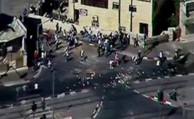 עימותים אלימים בין מפגינים לכוחות משטרה (צילום: חדשות 2)