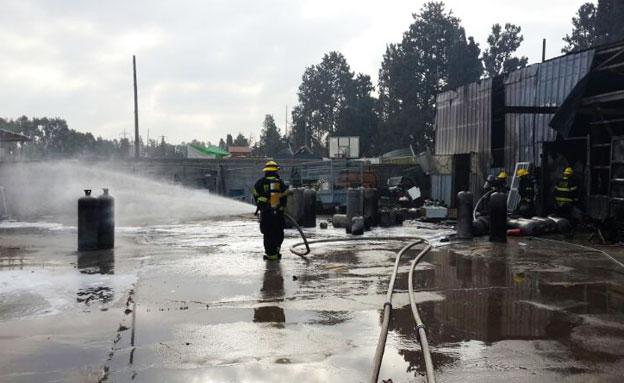 שריפה בעקבות פיצוץ בלון גז (ארכיון (צילום: דוברות כבאות חדרה)