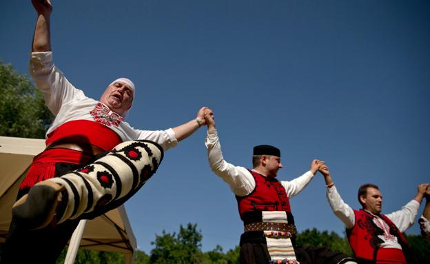 ההיסטוריה חוזרת בבלוגריה (צילום: AP)