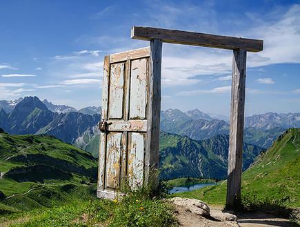 דלתות, אלפים גרמניה, צילום Dominic Walter