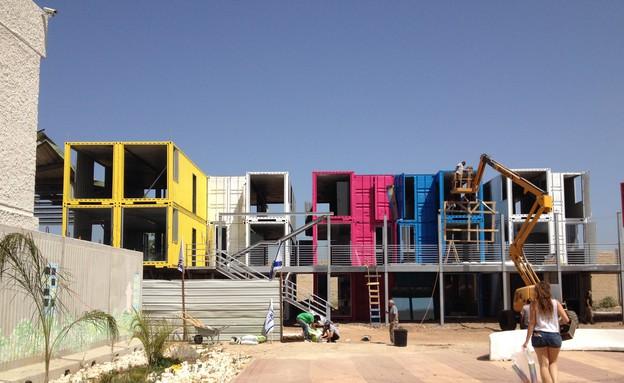 בתים במכולות (צילום: לירז פאנק)