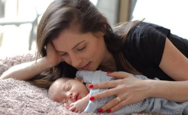 אמא ותינוק (צילום: דליה שחר, מערכת מאקו הורים)
