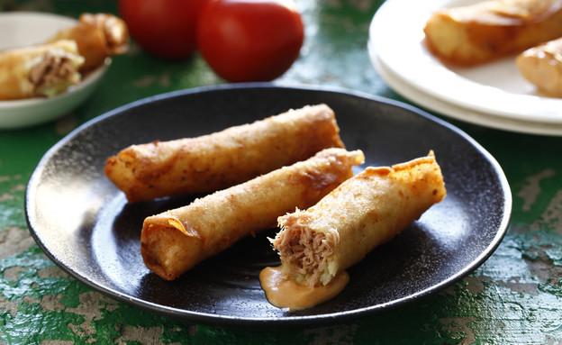 סיגרים במילוי טונה (צילום: אפיק גבאי, אוכל טוב)
