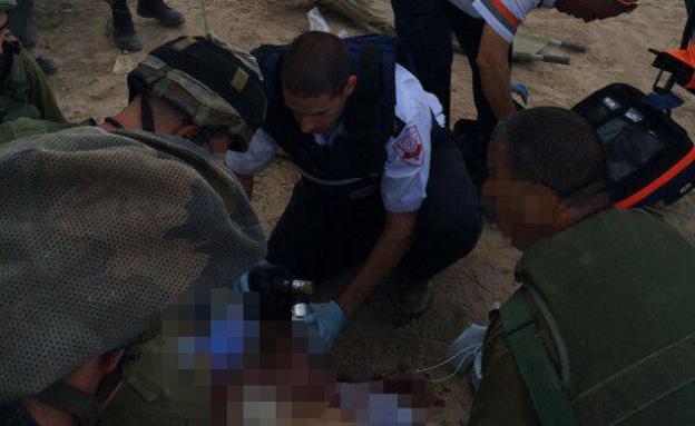 """תיעוד: כך ניסו להציל את חייו של דרור חנין ז""""ל (צילום: מד""""א)"""