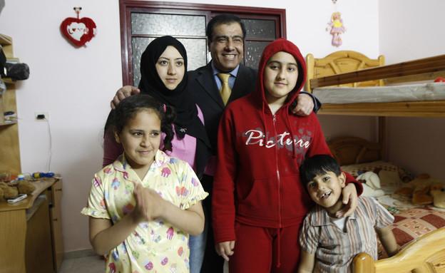 """ד""""ר עז א דין אבו עייש (צילום: ap)"""