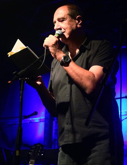 רוני סומק במופע של זאב טנא (צילום: אורית פניני)