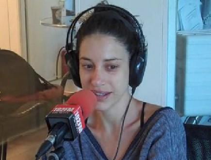 דנה עדיני ברדיו תל אביב (צילום: טל טנצר)