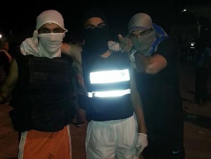 השתלטות על תחנת המשטרה בהר הבית (צילום: טוויטר)