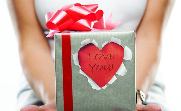 עיצובים סקסיים, גובה, רומנטיקה, אריזת מתנה, 22 שקלים ברשת סוהו (צילום: דן לב)