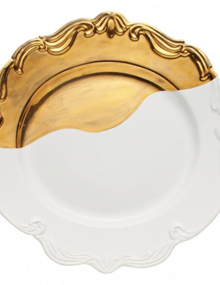 הכל זהב, צלחת הגשה של האמנית בריג'יט פריס
