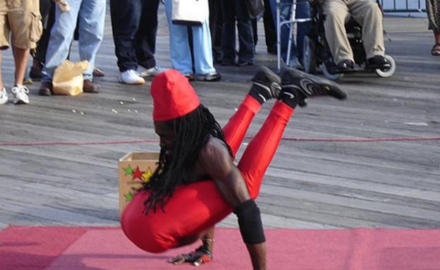 אנשים גמישים (צילום: smosh.com)