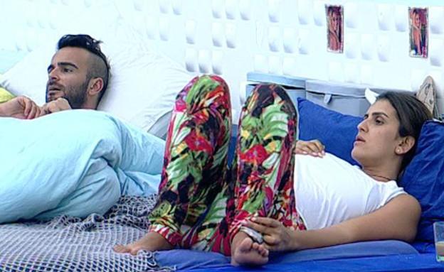 אליאב ועינב בחדר השינה (תמונת AVI: אורטל דהן, שידורי קשת)