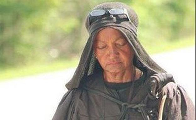 """תמהונית או מוסלמית אדוקה: מי היא """"רוח הרפאים מעזה"""" (צילום: פייסבוק)"""