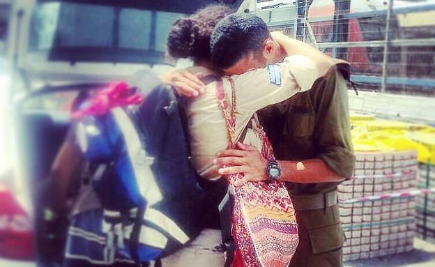 לירז וירון עמרני חוזרים הביתה (צילום: תמי עמרני, צילום ביתי)