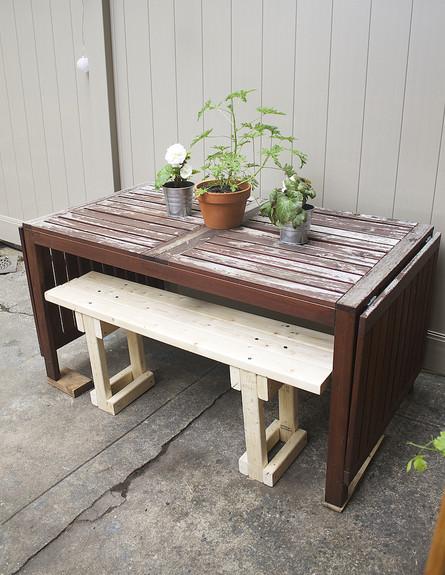 חצר בברוקלין, שולחן איקאה, גובה, צילום Alyssa Pont