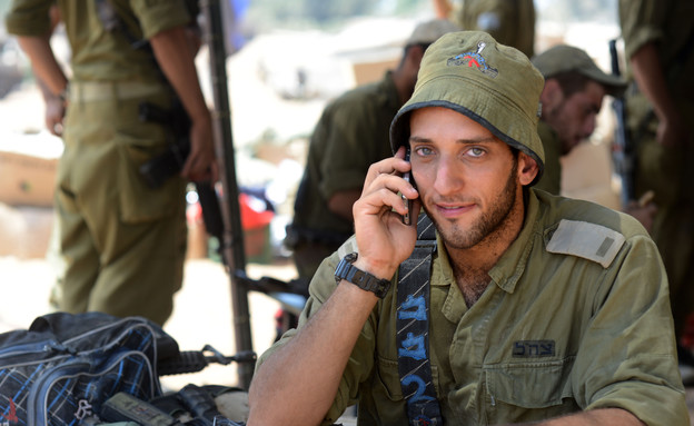 חיילים בצוק איתן (צילום: מאיר אזולאי)