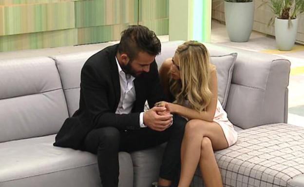 אליאב ודנית על הספה לאחר השידור (תמונת AVI: אורטל דהן, שידורי קשת)